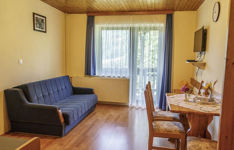 Apartma Bukev dnevna soba
